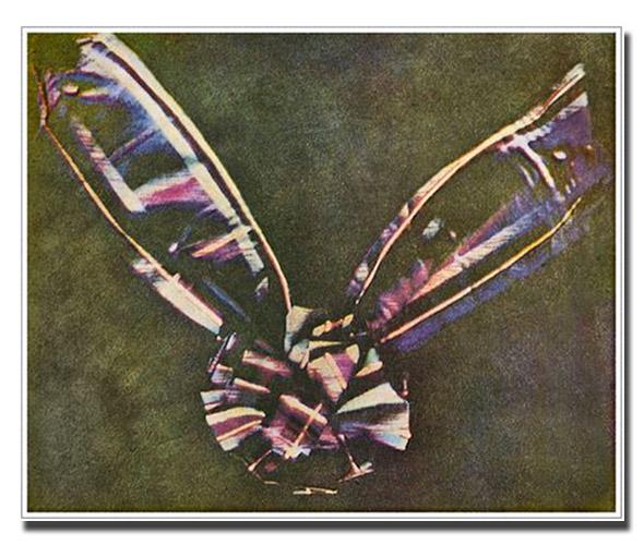 Первый цветной снимок 1861г. Шотландская лента