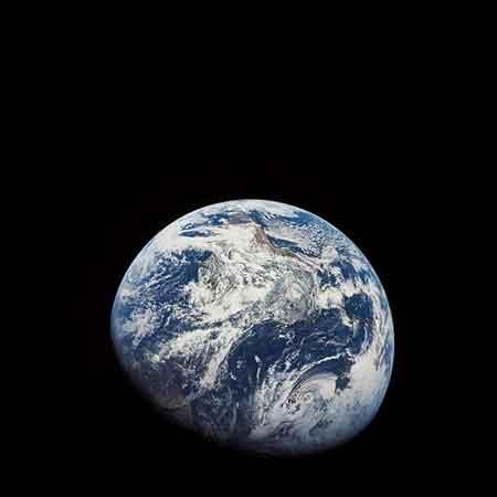 Первый снимок земного шара 1968г.