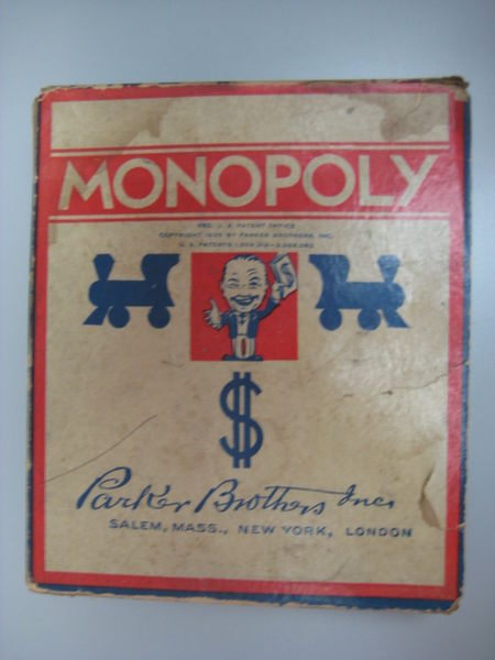 Коробка от игры «Монополия» издательства Паркер Бразерс. Приблизительно, 1936—1941 годы.
