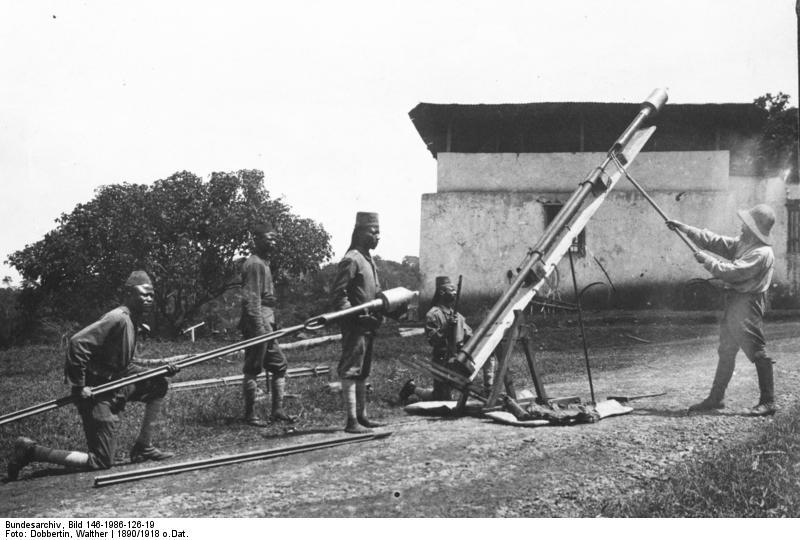 Запуск ракеты Конгрива, восточная Африка, 1890.
