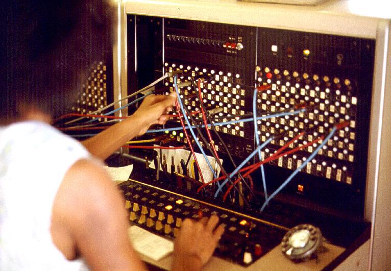 Switchboard телефонный коммутатор с телефонисткой