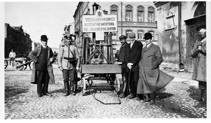 Чайная повозка в Санкт-Петербурге. 1909 г.